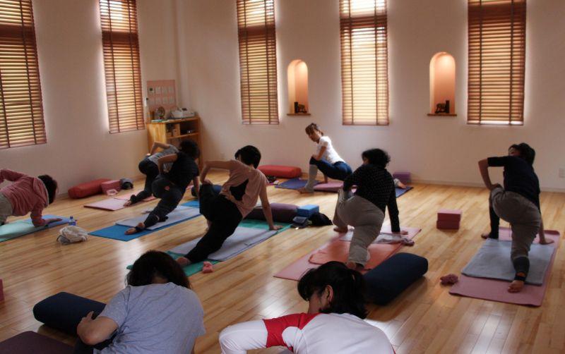 Yoga Studio H&B 陰ヨガ Nori