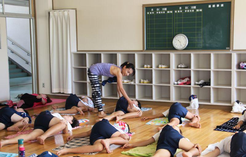 出張ヨガ 羽生市立東中学校での体験ヨガ講座